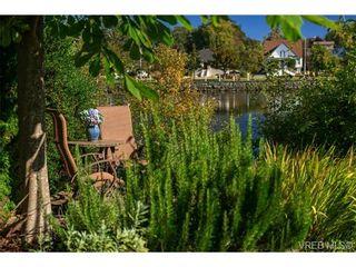 Photo 3: 944 Rankin Road in VICTORIA: Es Kinsmen Park Residential for sale (Esquimalt)  : MLS®# 325600