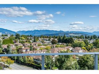 """Photo 1: 1005 5470 ORMIDALE Street in Vancouver: Collingwood VE Condo for sale in """"Wall Centre Central Park"""" (Vancouver East)  : MLS®# R2426749"""