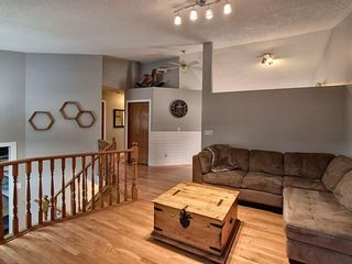 Photo 3: 36 West Boothby Crescent: Cochrane Detached for sale : MLS®# A1135637