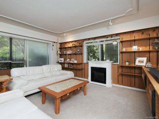 Photo 3: 204 1157 Fairfield Rd in Victoria: Vi Fairfield West Condo for sale : MLS®# 842989