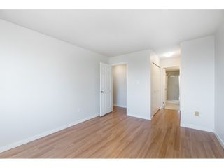"""Photo 15: 215 31930 OLD YALE Road in Abbotsford: Abbotsford West Condo for sale in """"ROYAL COURT"""" : MLS®# R2421302"""