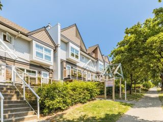 Photo 2: 301 3787 PENDER Street in Burnaby: Willingdon Heights Townhouse for sale (Burnaby North)  : MLS®# R2598443