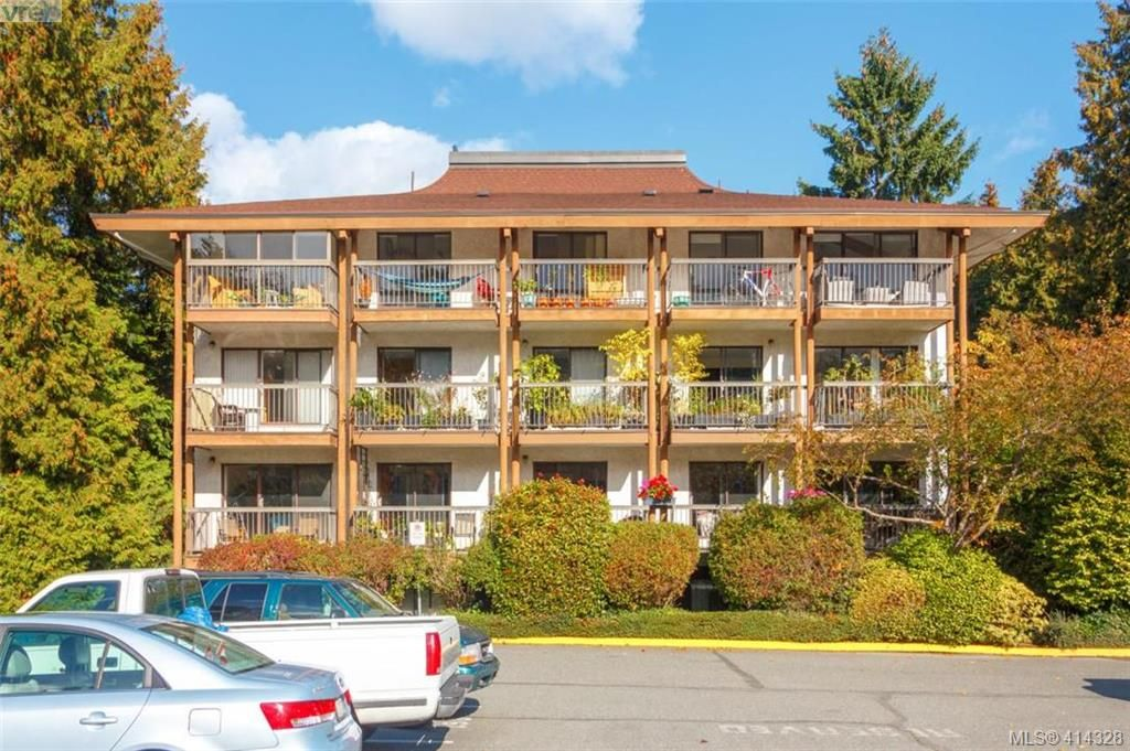 Main Photo: 408 1005 McKenzie Ave in VICTORIA: SE Quadra Condo for sale (Saanich East)  : MLS®# 821823
