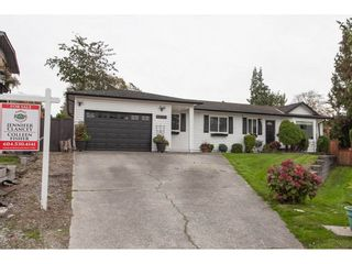 Photo 2: 18096 61 Avenue in Surrey: Cloverdale BC House for sale (Cloverdale)  : MLS®# R2312277