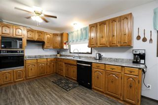 Photo 5: 15 1st Avenue in St Jean Baptiste: R17 Residential for sale : MLS®# 202122625