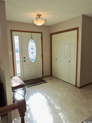 Photo 4: 391 Circlebrooke Drive in Yorkton: South YO Residential for sale : MLS®# SK846299