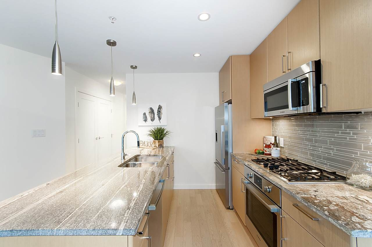 """Photo 6: Photos: 1101 88 W 1ST Avenue in Vancouver: False Creek Condo for sale in """"THE ONE"""" (Vancouver West)  : MLS®# R2234746"""