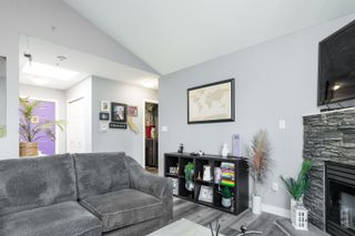 """Photo 4: 303 5909 177B Street in Surrey: Cloverdale BC Condo for sale in """"Carriage Court"""" (Cloverdale)  : MLS®# R2617763"""