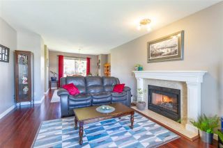 Photo 4: 19620 MAPLE Place in Pitt Meadows: Mid Meadows House for sale : MLS®# R2557959