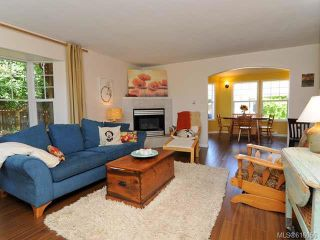 Photo 3: 3314 Ninth St in CUMBERLAND: CV Cumberland House for sale (Comox Valley)  : MLS®# 616056