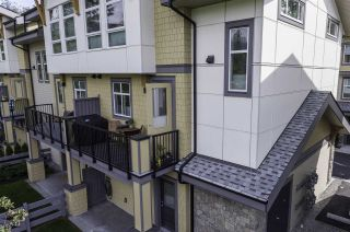 "Photo 3: 19 39548 LOGGERS Lane in Squamish: Brennan Center Townhouse for sale in ""SEVEN PEAKS"" : MLS®# R2408613"