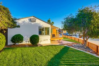 Photo 4: BAY PARK House for sale : 3 bedrooms : 1303 Dorcas St in San Diego