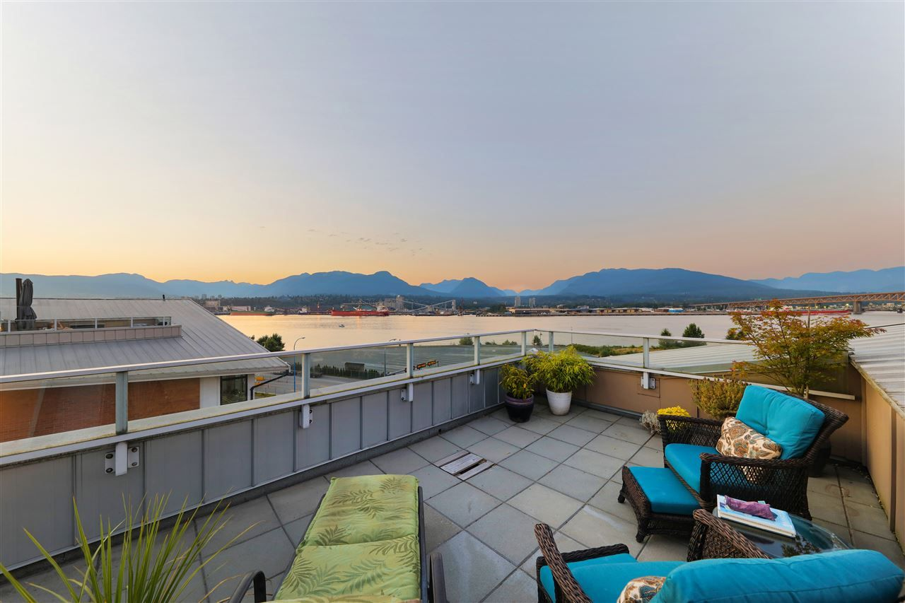 Main Photo: 2985 WALL STREET in Vancouver: Hastings Sunrise Townhouse for sale (Vancouver East)  : MLS®# R2495693