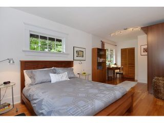 """Photo 11: 902 W 23RD Avenue in Vancouver: Cambie House for sale in """"DOUGLAS PARK"""" (Vancouver West)  : MLS®# V1125620"""