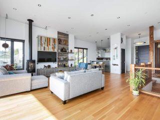 Photo 9: 14608 WEST BEACH Avenue: White Rock House for sale (South Surrey White Rock)  : MLS®# R2535601