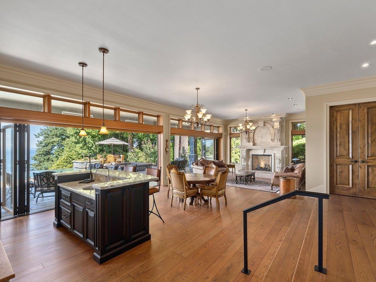 Main Photo: 12626 15 Avenue in Surrey: Crescent Bch Ocean Pk. House for sale (South Surrey White Rock)  : MLS®# R2609386