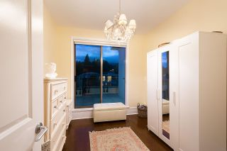 Photo 19: PH1 533 WATERS EDGE Crescent in West Vancouver: Park Royal Condo for sale : MLS®# R2573412