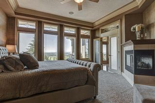 Photo 17: 251 Slopeview Drive SW in Calgary: Springbank Hill Detached for sale : MLS®# A1132385
