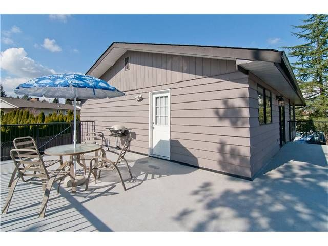 """Photo 4: Photos: 19860 N WILDWOOD Crescent in Pitt Meadows: South Meadows House for sale in """"WILDWOOD"""" : MLS®# V995390"""