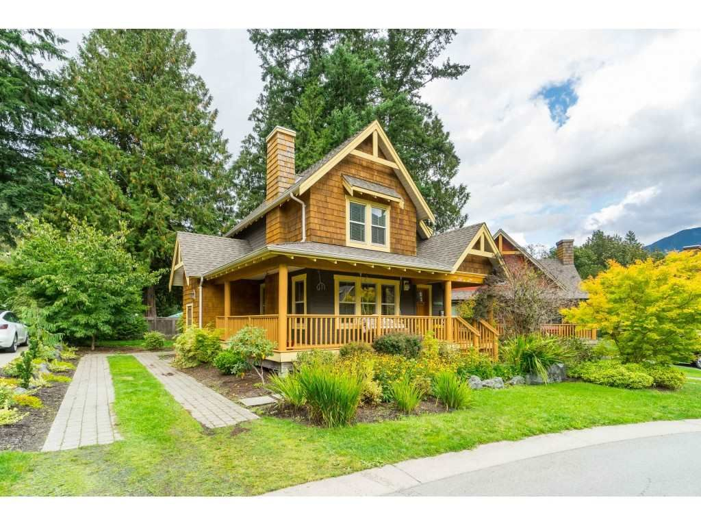 """Main Photo: 1866 CHERRY TREE Lane: Lindell Beach House for sale in """"COTTAGES AT CULUS LAKE"""" (Cultus Lake)  : MLS®# R2408945"""