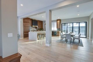 Photo 2: 11 Laxton Place SW in Calgary: North Glenmore Park Detached for sale : MLS®# A1114761