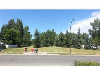 Photo 1: 1763 66 Avenue SE in CALGARY: Lynnwood_Riverglen Residential Detached Single Family for sale (Calgary)  : MLS®# C3627836