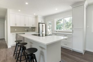 Photo 5: 10207 7 Street SW in Calgary: Southwood Detached for sale : MLS®# C4203989