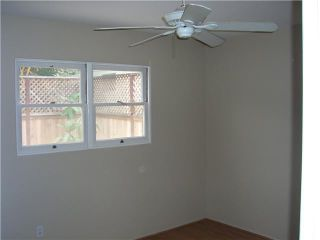 Photo 10: PACIFIC BEACH House for sale : 2 bedrooms : 4276 Lamont