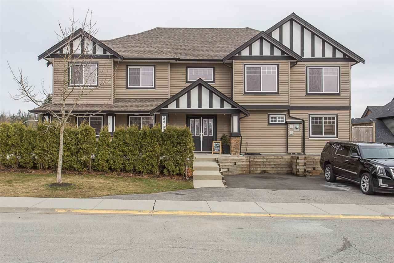 """Main Photo: 33780 KETTLEY Place in Mission: Mission BC House for sale in """"College Heights"""" : MLS®# R2245478"""