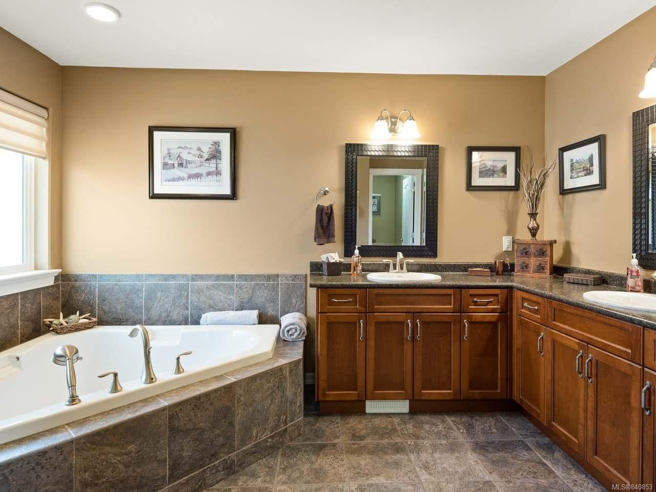 Photo 48: Photos: 206 Marie Pl in CAMPBELL RIVER: CR Willow Point House for sale (Campbell River)  : MLS®# 840853