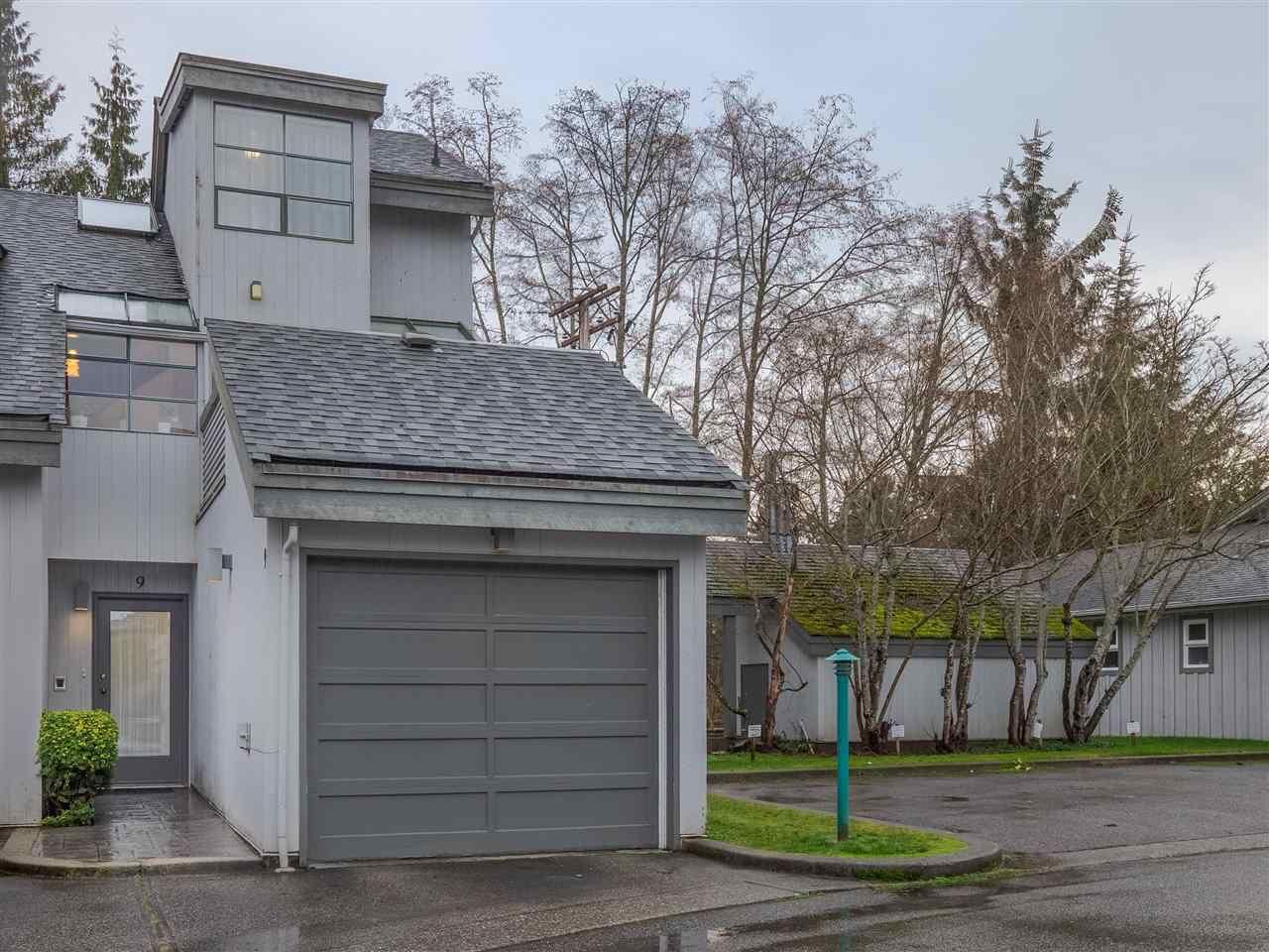 Main Photo: 9 5753 WHARF Avenue in Sechelt: Sechelt District Townhouse for sale (Sunshine Coast)  : MLS®# R2522010