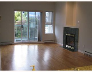 """Photo 2: 201 177 W 5TH Street in North_Vancouver: Lower Lonsdale Condo for sale in """"JADE"""" (North Vancouver)  : MLS®# V750743"""