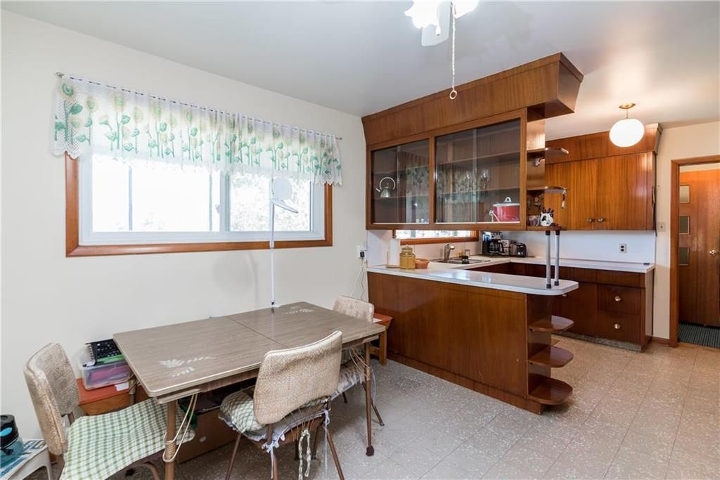 Photo 6: Photos: 6040 PTH 2 . Highway in Oak Bluff: RM of MacDonald Residential for sale (R08)  : MLS®# 202021001