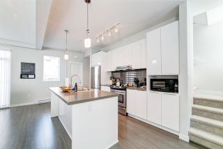 """Photo 3: 89 8138 204 Street in Langley: Willoughby Heights Townhouse for sale in """"Ashbury and Oak by Polygon"""" : MLS®# R2434311"""