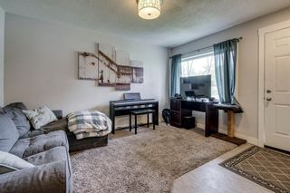 Photo 4: 2421 36 Street SE in Calgary: Southview Detached for sale : MLS®# A1072884