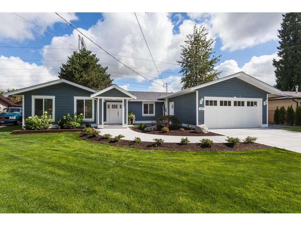 Main Photo: 20561 43A Avenue in Langley: Brookswood Langley House for sale : MLS®# R2511478