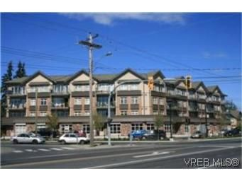Main Photo: 302 2220 Sooke Rd in VICTORIA: Co Hatley Park Condo for sale (Colwood)  : MLS®# 482680