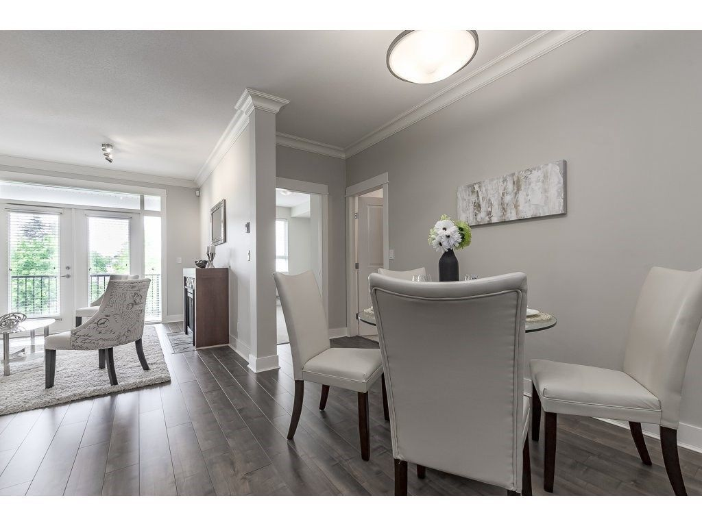 """Photo 8: Photos: 318 5430 201 Street in Langley: Langley City Condo for sale in """"The Sonnet"""" : MLS®# R2282213"""