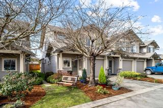 Photo 3: 7 3338 Whittier Ave in : SW Rudd Park Row/Townhouse for sale (Saanich West)  : MLS®# 867392