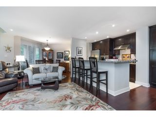 """Photo 9: 205 14824 NORTH BLUFF Road: White Rock Condo for sale in """"Belaire"""" (South Surrey White Rock)  : MLS®# R2456173"""