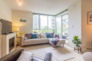 """Photo 3: 208 175 W 2ND Street in North Vancouver: Lower Lonsdale Condo for sale in """"VENTANA"""" : MLS®# R2625562"""