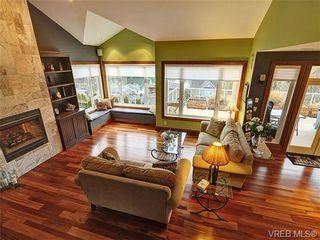 Photo 6: 922 W Garthland Place in VICTORIA: Es Kinsmen Park Residential for sale (Esquimalt)  : MLS®# 331905