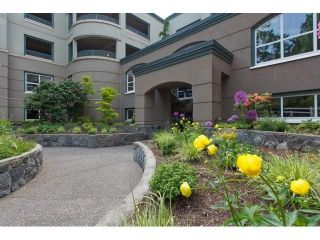Photo 2: # 402 1725 128TH ST in Surrey: Crescent Bch Ocean Pk. Condo for sale (South Surrey White Rock)  : MLS®# F1441077