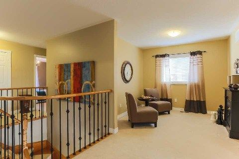 Photo 11: Photos: 39 Blossomview Court in Whitby: Taunton North House (2-Storey) for sale : MLS®# E2875948