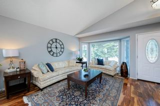Photo 5: 88 Strathlorne Crescent SW in Calgary: Strathcona Park Detached for sale : MLS®# A1097538