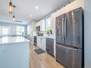 """Photo 8: 46 7169 208A Street in Langley: Willoughby Heights Townhouse for sale in """"Lattice"""" : MLS®# R2575619"""