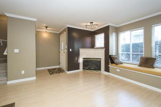 Photo 3: 275 E 5TH STREET in North Vancouver: Lower Lonsdale Townhouse for sale : MLS®# R2332474