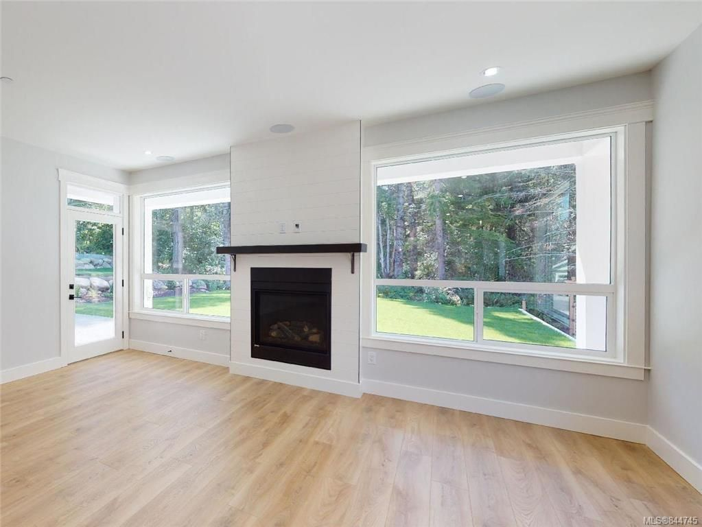 Photo 9: Photos: 2504 West Trail Crt in Sooke: Sk Broomhill House for sale : MLS®# 844745