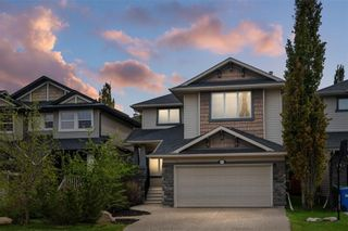 Photo 3: 12485 CRESTMONT Boulevard SW in Calgary: Crestmont Detached for sale : MLS®# C4285011