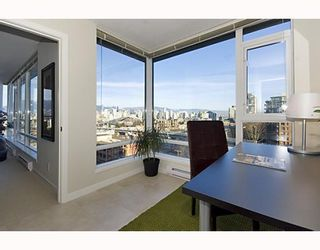 """Photo 7: 906 1650 W 7TH Avenue in Vancouver: Fairview VW Condo for sale in """"VIRTU"""" (Vancouver West)  : MLS®# V748830"""